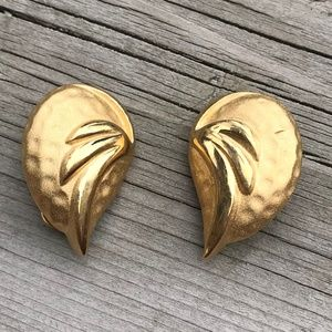 Signed Vendome Vintage Clip On Earrings Gold Tone